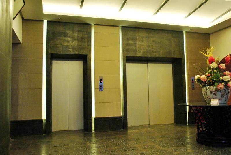 电梯间1.JPG